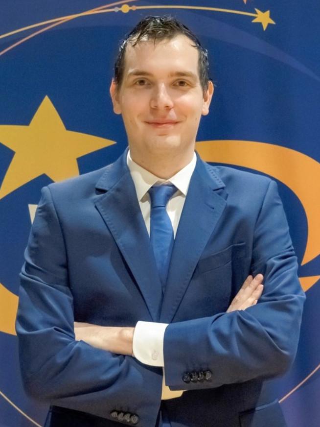 Kacper Piorun